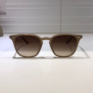 Ray Bans RB4258 Women